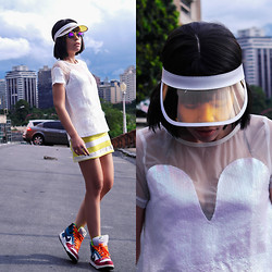 Priscila Diniz - Sequins Embellished White T Shirt, Sheer Peak Hats, Nike Sneakers - I feel on top of the world in my Fashion!
