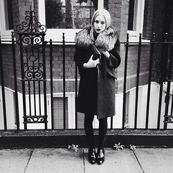 Alxndra Cook - Miu Fur Coat, Zara Boots - Black sands //