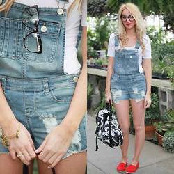 Makayla McAfee - Wet Seal Overalls, Wet Seal Basic Tee, Wet Seal Bag, Wet Seal Shoes, Wet Seal Glasses - Spring Break Look One with Wet Seal