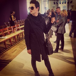 Garrett Cervetto - Zara Coat, Liebeskind Berlin Bag - Paris Fashion Week