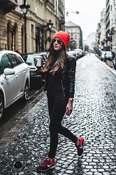 Viktoria B - H&M Leather Jacket, Mango Trouser, Nike Sneakers, Six Hat, Ray Ban Sunnies, Micheal Kors Watch - Sneaker up