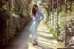Linh Minouderie - Forever 21 Flowers Top, Forever 21 Jeans Slims, Zara Heels - That Gal !