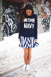 Joëlle Desrosiers - Rails Stripes, Boutique Onze In The Navy, Converse White - In the navy