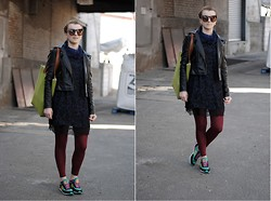 Monique K.... - Tunic, Leggings, Sport Shoes, Sunglasses - Collar