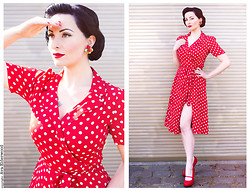 Ava Elderwood - The Seamstress Of Bloomsbury 40s Peggy Wrapover, Pinup Couture 40s Cutiepie Mary Jane - Dots & Fruits