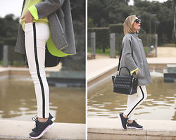 My Showroom Priscila - Minusey Coat, Nike Sneakers, Zara Jeans, Sunglass Island Sunnies, Barbara Rihl Bag, Chic Wish Sweater - Neoprene Coat