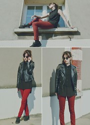 Saskia B. - Zara Houndstooth Red & Black, Underground Shoes Creepers, H&M Bi Matiere, The Ragged Priest Spiked Leather, Vintage Sunglasses - Red.