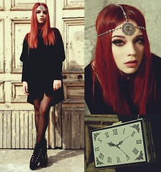 Maria Rondinella - Choies Clock Bag, Choies Velvet Dress, Choies Hair Jewelry - TIK TOK