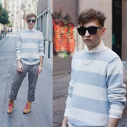 Jorge Barceló - Asos Sunglasses, Thomas Sabo Necklace, Zara Shirt, Cos Sweater, Pepe Jeans Pants, Feiyue Sneakers - GOOD BOY STYLE
