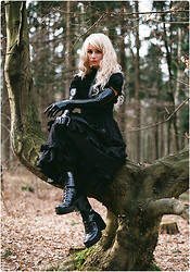 Rabbit Heart - Handmade By Me Long Black Jsk, Handmade By Me Faux Leather Harness, Lockshop Cascade Faerie Wig, Vagabond Shoes - Call it Magic