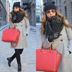 Eli GGarcia - Zara Military Coat, Zara Black Skinny Pants, H&M Oversized Knitted Scarf, Zara Black Kitty Beanie, Michael Kors Bag, Ray Ban Aviator Sunglasses, Forever 21 Ankle Boots - Mid-March is here..!