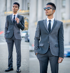 Josh Walter - Topman Blazer/Shirt/Trousers, Tie, Alden Shoes - Mr. Driver.