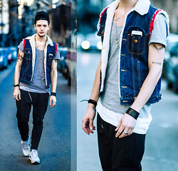 Alexandru - H&M Cap, Fe[Male] Vest, Fe[Male] Pants, Asos T Shirt, Nike Shoes Air Max 1 - Spring to the street
