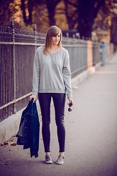 Katarina Vidd - All Items On My Blog, H&M Slip On Sneakers - Snakes.