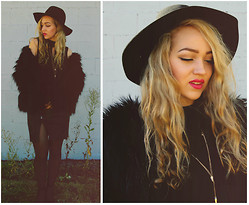 August Jones - Romwe Hat, Style Nanda Faux Fur - Arctic Monkeys - 5 0 5