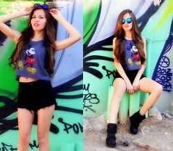 Ms. Ortiz - American Eagle Outfitters Crop Top, American Eagle Outfitters High Rise Shorts, Aldo Shoes - Hey Mickey