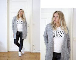 Ida Gabrielsson - H&M T Shirt, Acne Studios Cardigan, Gina Tricot Pants, Nike Sneakers - ICON