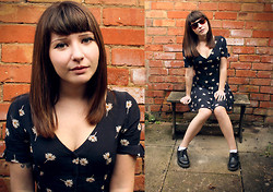 Amelia Sinnott - Urban Outfitters Daisy Dress, Vegan Doc Marten Shoes - Daisies