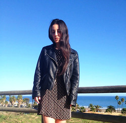 Danielle Gold - Vintage Floral Dress, Nasty Gal Leather Jacket - So when its hot I sport leather