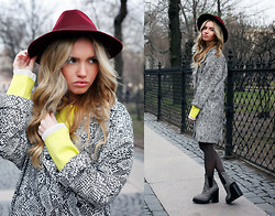 Darya Yakovleva - Jeffrey Campbell Boots - It's all about the hat!