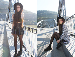 CLAUDIA Holynights - Wholesale7 Turtle Neck In Rib Top, Asos Vinil Skater Skirt, Jollychic Houndstooth Coat - Your bridges are burning now