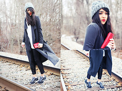 Naina Kamath - H&M Silky Trench Coat, Asos Chunky Beanie, Alexander Wang Sweater, Zara Faux Leather Leggings, Nike Sneakers - Flow With The Flow