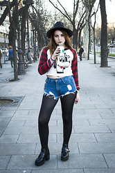 Be Hepburn - Oasap Hat, Persun Tee, Oasap Shorts, Wholesale7 Boots - 023