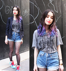 Cécile D. - Brandy Melville Usa Jim Morrison Tee - Kids with guns