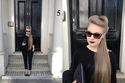 Alxndra Cook - Prada Sunglasses, Cos Clutch, Style Nanda Trousers - Paint it Black //