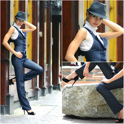 Valentina - Fedora Hat, H&M Shirt, Shoes - The Mob Boss
