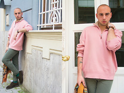 Dario Fattore - Prada Cashmere Sweater, Yves Saint Laurent Praio Pants, Balenciaga Tricker's Shoes - That boy with the pink sweater
