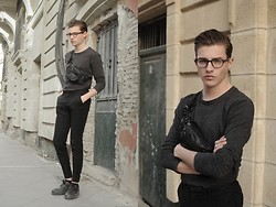 Jesús Lafuente - H&M Shirt, Zara Trausers, Kipetex Shoes, Soloptical Glasses, Vintage Bum Bag - S a I n t