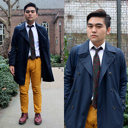 Arif Zainuddin - Gap Navy Trench Coat, Tie Rack Green Paisley, Topman Mustard Chinos - Little J