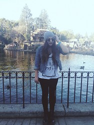 Deanna B. - Dr. Martens Shoes, American Apparel Velvet Leggings, The 1975 Band Tee - Heart out