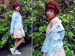 Ester R. - Frontrowshop Dress, Moooh!! Sneakers - The pastel dress