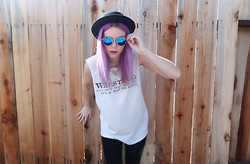 Sarah Hawkinson - Forever 21 Hat, Vintage, Romwe Sunnies - It's a way of life