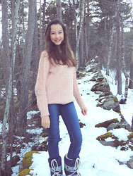 Chiara S - Pull & Bear Pink, Blue Jeans - Let It Snow !