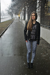 Olya Ivanova - Pull & Bear Black Leather Jacket, C&A Gray Shirt, Calzedonia Leopard Leggings, New Look Black Ankle Boots - Road to nowhere.