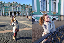 Aleksandra B. - Dorothy Perkins Handbag Shoulder, Accessorize Tights, Pull & Bear Coat - THE STATE HERMITAGE MUSEUM