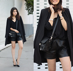 Adriana Gastélum - Sheinside Leather Shorts, Proenza Schouler Ps11, Alice And Olivia Wedges - Black is my favorite
