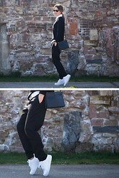Christine R. - Karen Walker Sunglasses, Cos Sweater, Céline Bag, H&M Trousers, Nike Air Force 1 Sneakers - Black and white