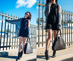 Jenny Ong - Everlane Leather Market Tote, Steve Madden Open Toe Booties, Frontrowshop Super Duper Sunglasses - Something mini, something oversized