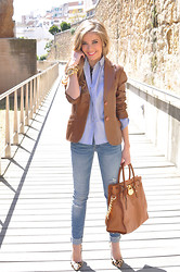 LOLA C - Zara Blazer, Choies Shirt, Pull & Bear Jeans, Michael Kors Bag, Carolina Herrera Heels, El Ricón De Las Dalias Necklace - Less is more
