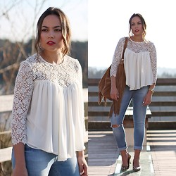 Mondaytofriday Blog - Zara Top, Zara Jeans, Blanco Bag, Blanco Heels - Lace top