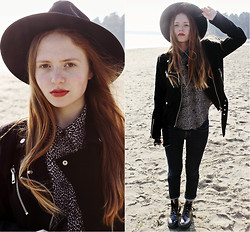 Kristina Magdalina - Oasap Hat, New Yorker Jacket, Dr. Martens Boots - In the park
