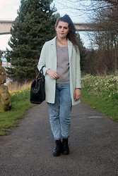 Chloe W - Topshop Mint Green Coat, Monki Quilted Grey Jumper, Zara Office City Bag, Topshop Mom Jeans, Topshop Black Boots - Mint Green Coat