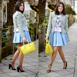 Alexandra Amaro Cortizo - Zara Skirt, Zara Bag, Zara Sandals - Light blue & yellow