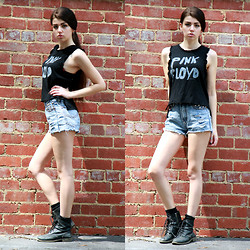 Sophie Elle - Chaser Pink Floyd Muscle Tank, Ebay Denim Studded High Waisted Shorts, Dotti Festival Boots - Just Another Brick in the Wall