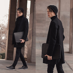 Georg Mallner - Vision Original Coat, Kiomi Bag, Zign Shoes, Cos Turtle Neck, Urban Outfitters Beanie - March 26, 2014
