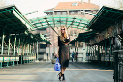 Elen Ellis - Italia Independent Sunglasses, Zara Crop Top, Massimo Rebecchi Pencil Skirt, Zara High Heels, Gherardini Handbag - Glamour